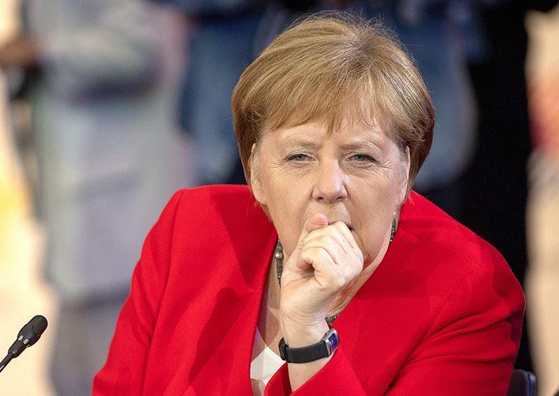 В Германии объяснили трудности с дыханием Меркель