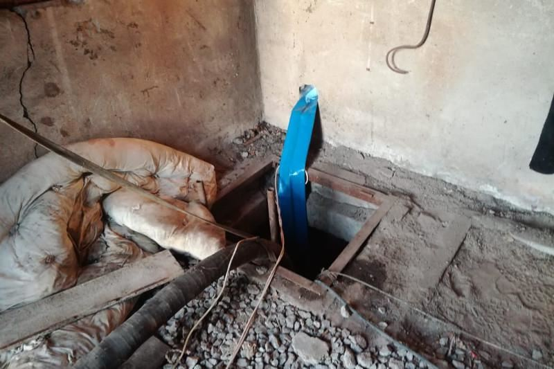 Мужчина погиб в колодце, спасая отца в Караганде