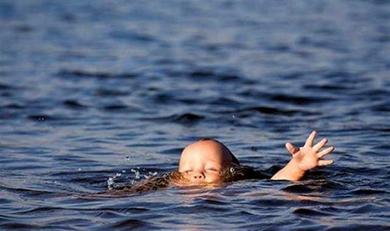 Жамбылда 2 жасар бүлдіршін бассейнге батып, көз жұмды