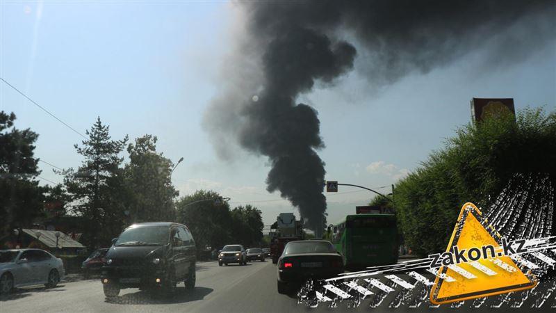 Пожар на складе в Алматы потушен