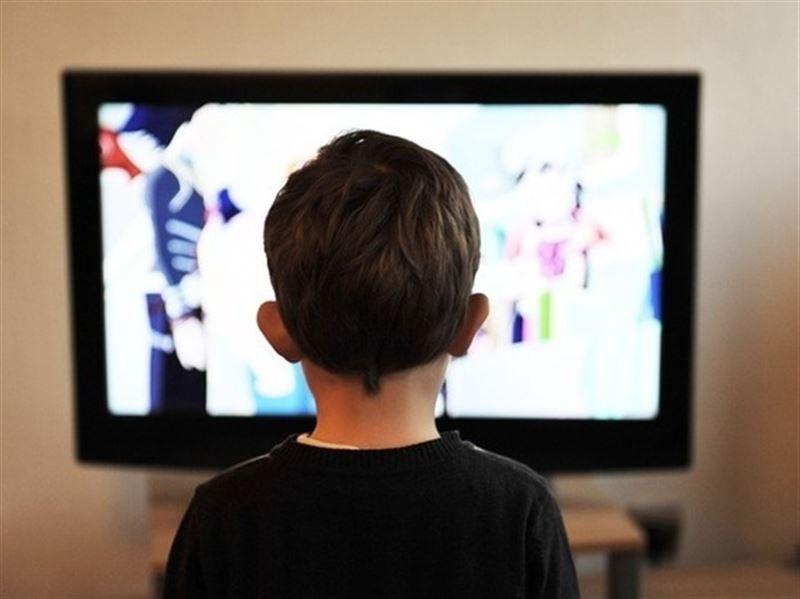 Телевизор и соцсети вызывают депрессию у детей