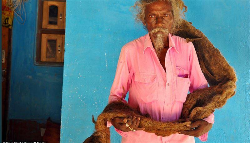 Житель Индии в течение 40 лет не мыл голову и не стригся