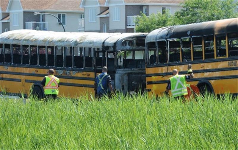 В Канаде произошла авария с участием двух школьных автобусов