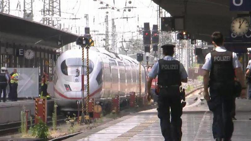 Мужчина столкнул ребенка под поезд в Германии