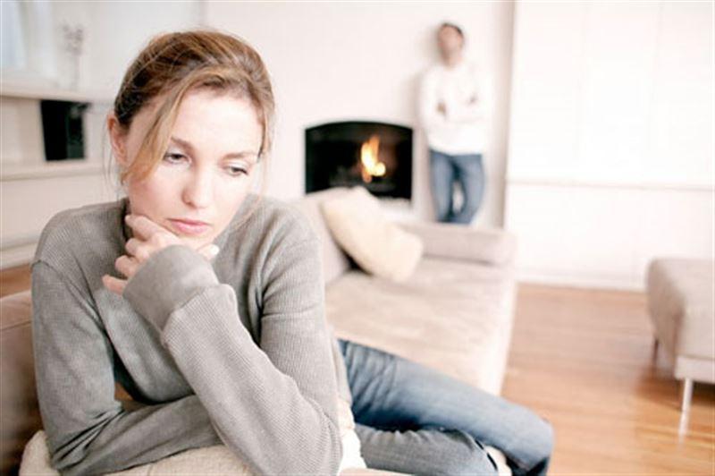 Психологи назвали привычки, которые делают людей несчастными и подавленными