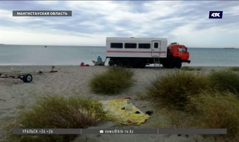 Молодой мужчина и три подростка утонули в Каспийском море за сутки