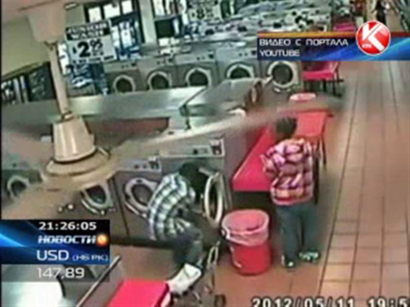 В США родители засунули двухлетнего сына в стиральную машину