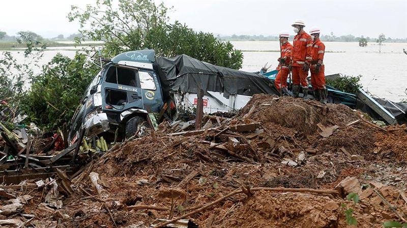 Число жертв оползня в Мьянме превысило 50 человек