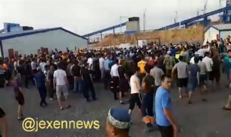 Қарағанды облысында жергілікті жұмысшылар шетелдіктермен төбелесті