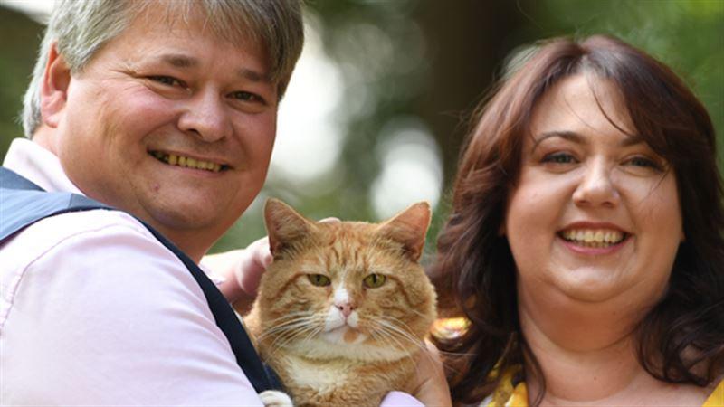Супруги из Англии стали миллионерами из-за своего кота