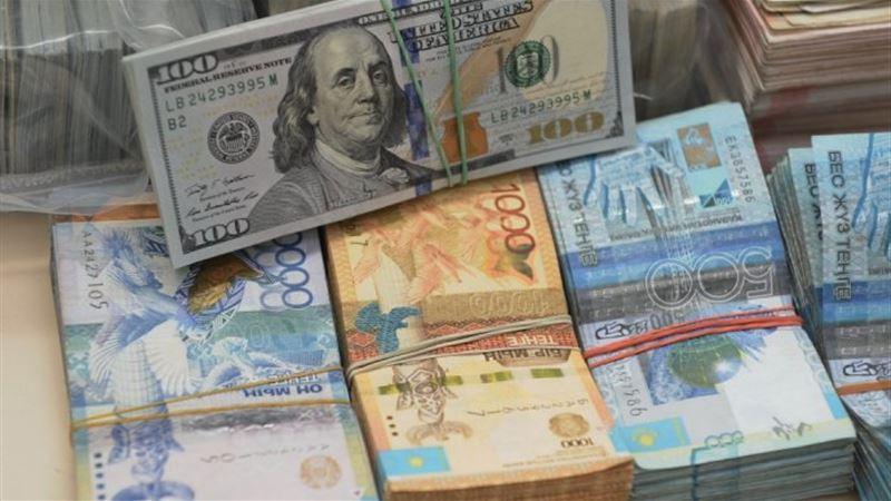 Средневзвешенный курс доллара составил 386,82 тенге