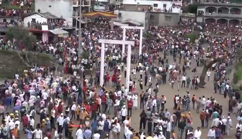 120 человек получили травмы  на фестивале камней в Индии
