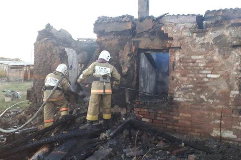 ШҚО-да ауыл тұрғыны көршісін өрттен құтқарып қалды