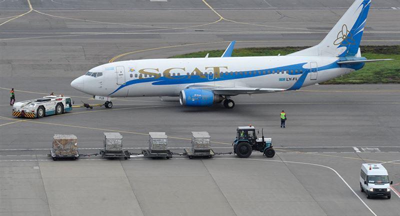 Самолет совершил экстренную посадку в аэропорту Нур-Султана
