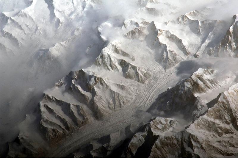 Тянь-Шань тауында жоғалған альпинистерді іздеу уақытша тоқтатылды