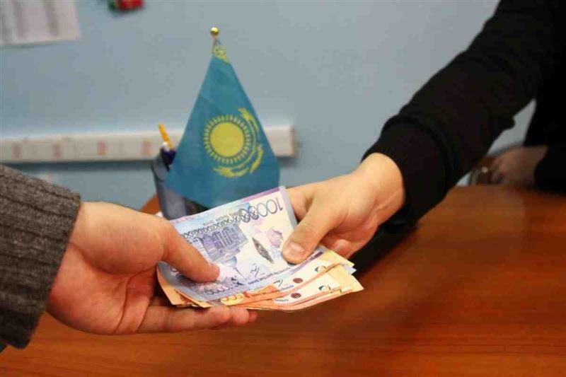 Жамбыл облысында пара алған әкімге 10 млн теңге айыппұл салды