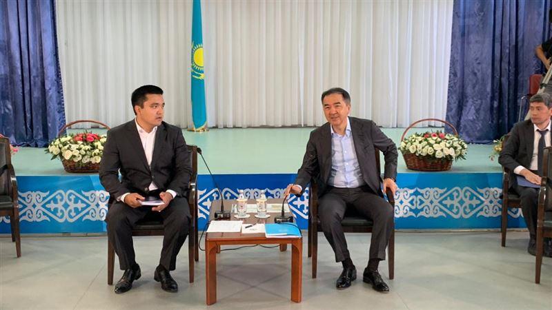 Аким Алматы встретился с жителями Жетысуского района