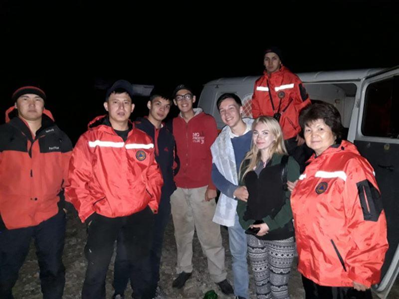 Спасатели помогли четверым людям, заблудившимся в горах