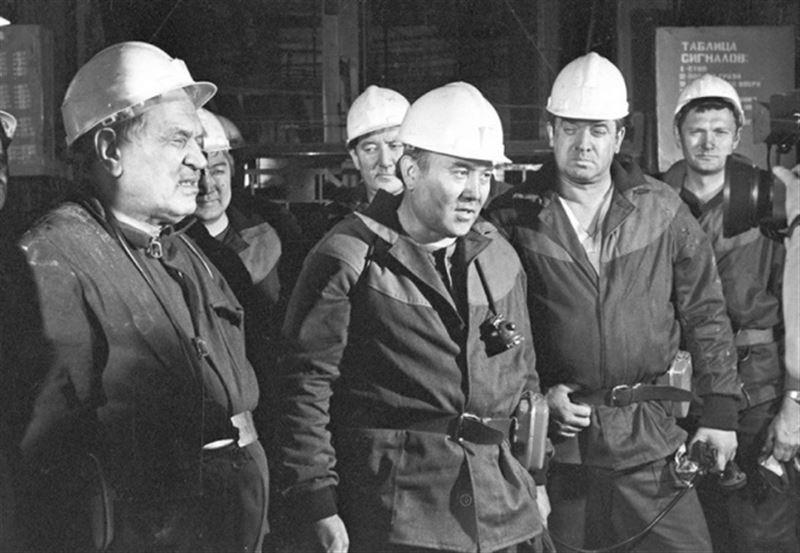 Казахстанские шахтеры поблагодарили Елбасы