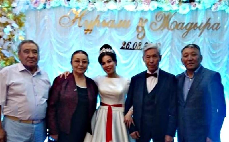 82-летний казахстанский артист взял в жены 37-летнюю журналистку
