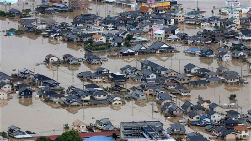 Почти 850 тысяч человек эвакуировали в Японии из-за наводнений