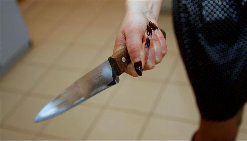 Женщина с ножом напала на 3-летнего мальчика и порезала ему лицо