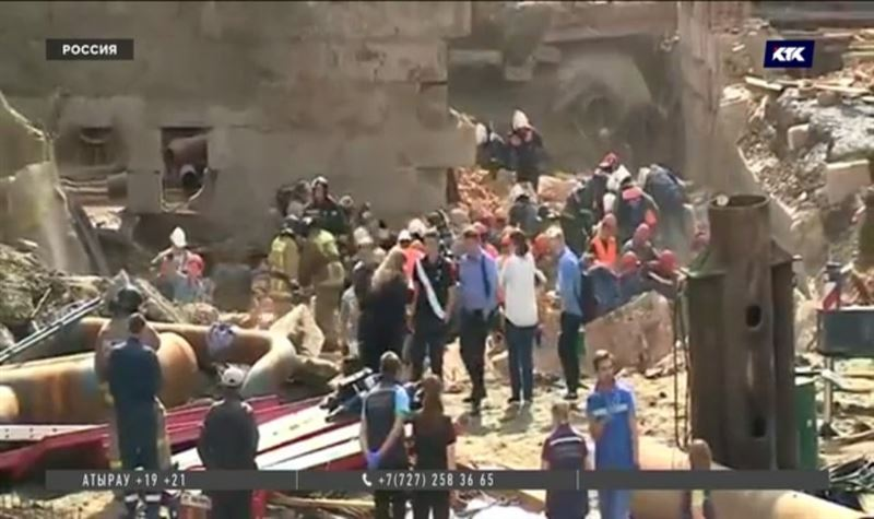 Во время планового ремонта здания в Новосибирске обрушилась стена, есть погибшие