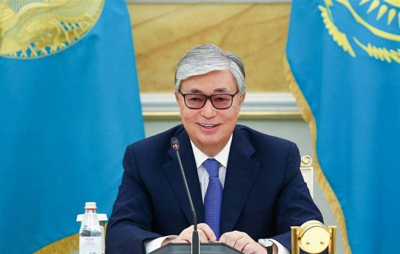 Касым-Жомарт Токаев поздравил жителей республики и Днем Коституции