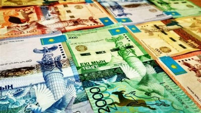 Средневзвешенный курс доллара составил 388,13 тенге