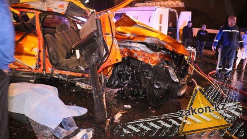 Жертвами жуткой аварии в Алматы стали два человека