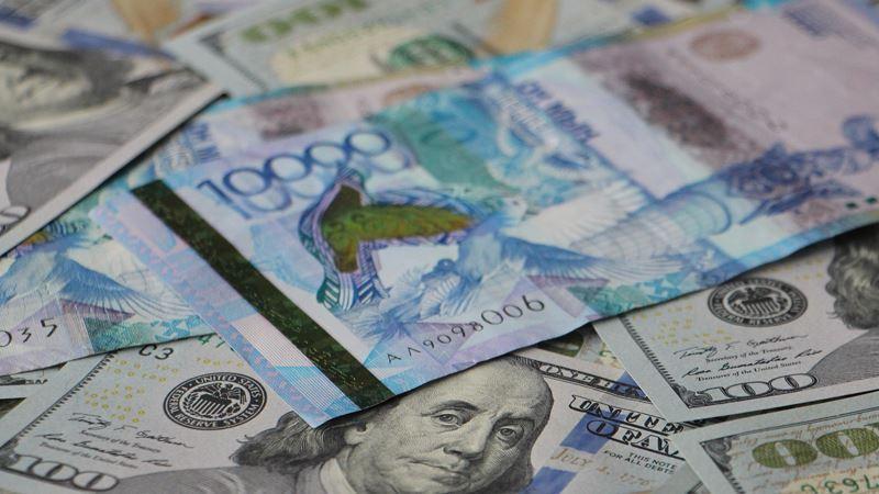 Средневзвешенный курс доллара составил 386,34 тенге