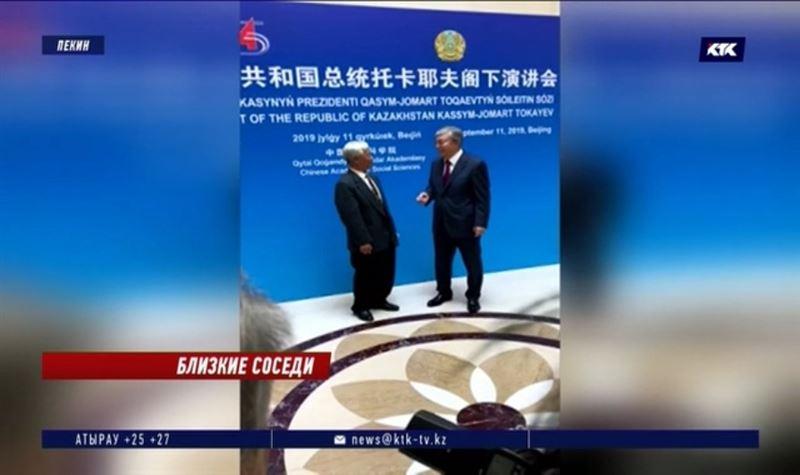 Токаев встретился с председателем КНР и своим учителем китайского