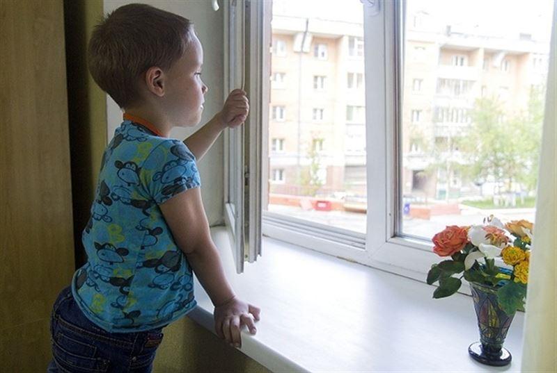 6-летний мальчик пять дней провел рядом с телом умершей матери