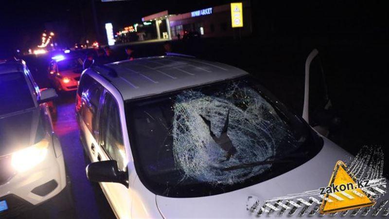Пешехода сбили насмерть на трассе в Алматинской области