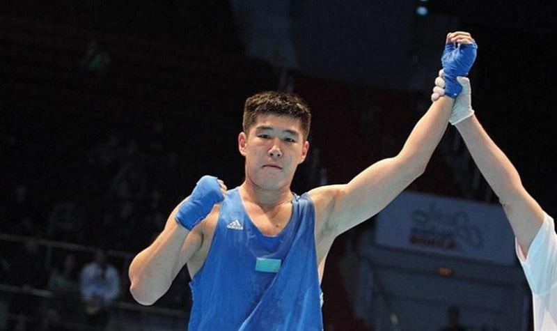 21 жастағы қазақстандық боксшы Олимпиада чемпионын нокдоунға түсірді