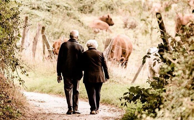 Скорость ходьбы поможет определить, доживет ли человек до 80 лет