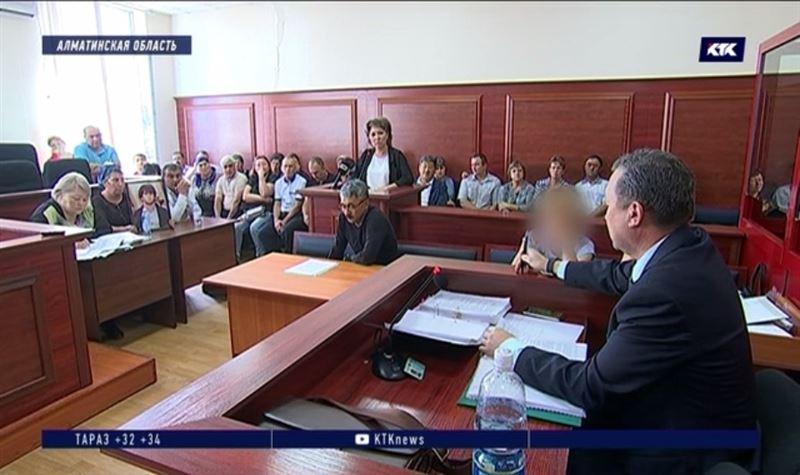 Друзей судят по делу о 18 ножевых ранениях