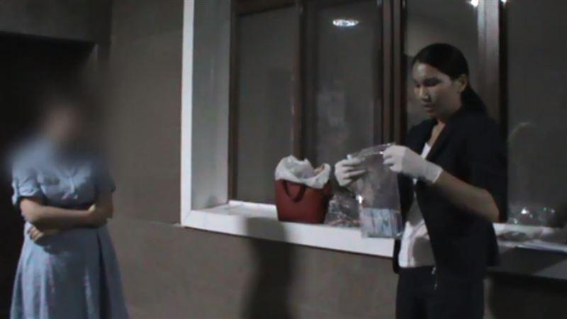 Алматинку задержали при продаже родного ребенка