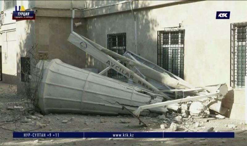 Больше 400 домов повредило землетрясение в Стамбуле