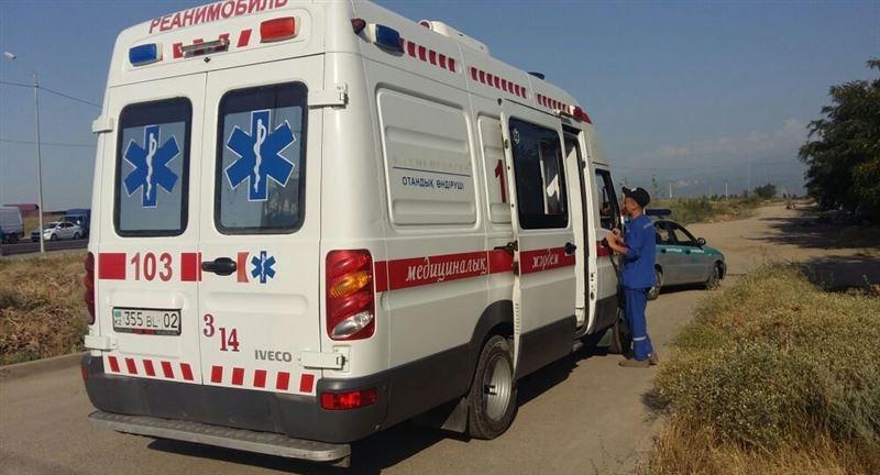 9 человек оказались в больнице в результате аварии со школьным автобусом