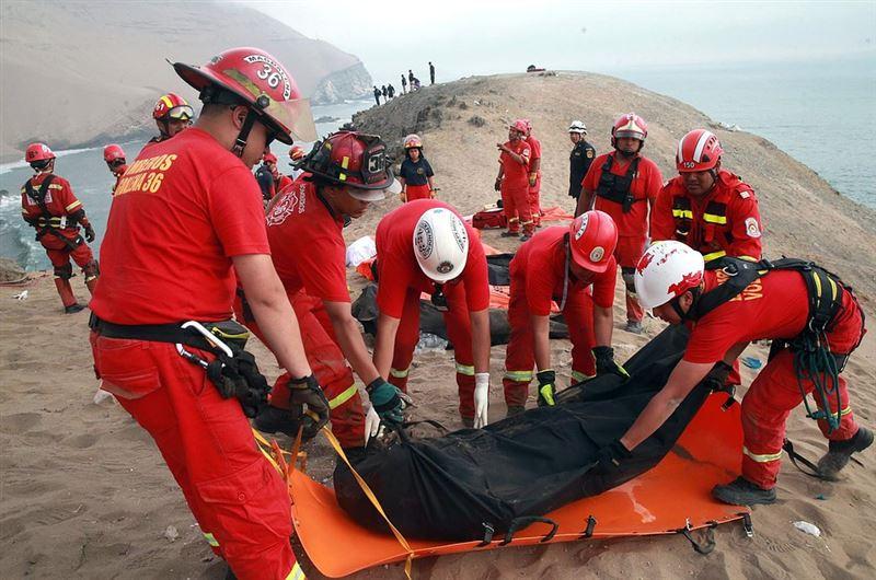 Автобус рухнул в пропасть в Перу. Есть жертвы