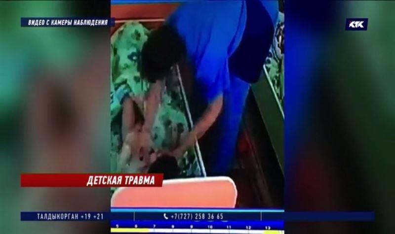 После избиения ребёнка сотрудница детсада предлагала его матери деньги