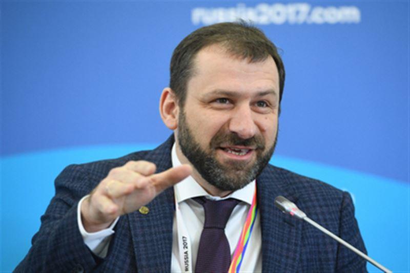 Российский миллиардер и предприниматель бросил в толпу 20 тыс. долларов