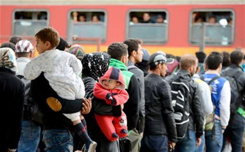 Какая страна лидирует по притоку мигрантов среди стран бывшего СССР