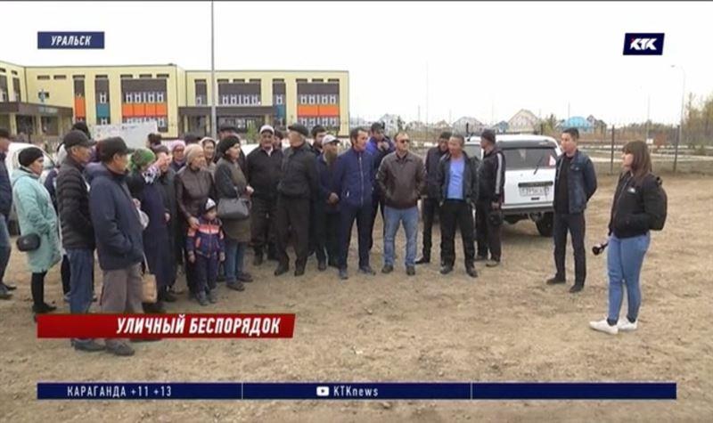 44 километра дорог в микрорайоне Уральска остались без обещанного ремонта