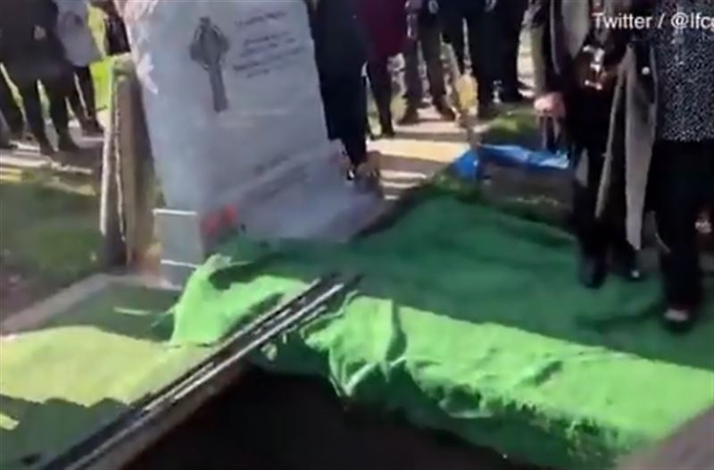 Покойник развеселил пришедших на его похороны