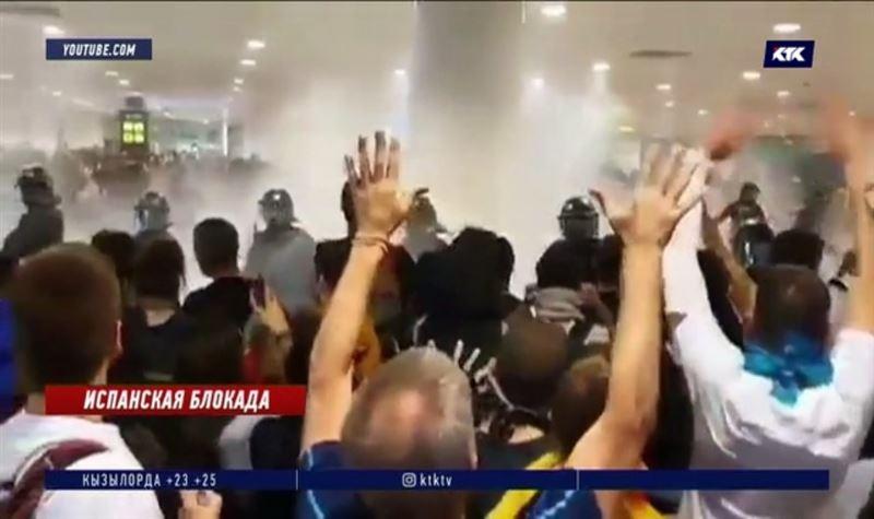 В Барселоне протестуют в связи с приговором сторонникам независимости Каталонии