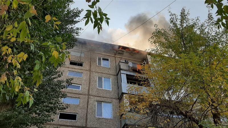 Пожар в многоэтажном доме вспыхнул в Таразе