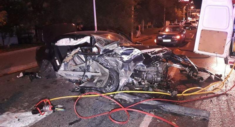Алматыда жантүршігерлік жол апатынан 2 адам қаза тапты