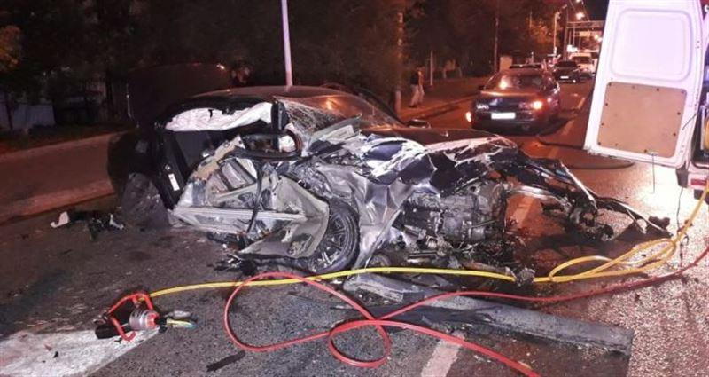 Двое погибли в страшной аварии в Алматы